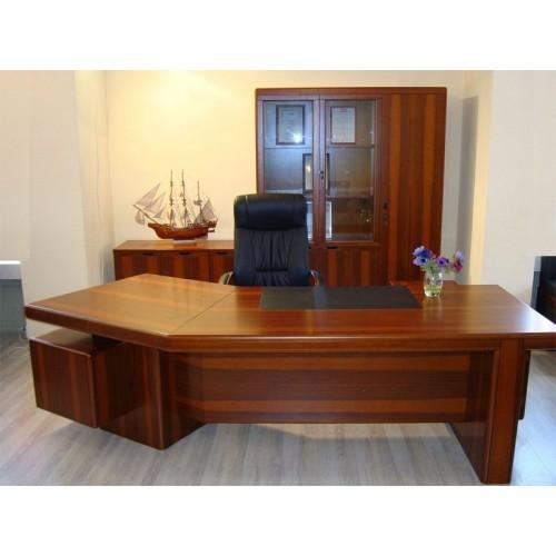 Стол руководителя YDK 303, с кожаной накладкой