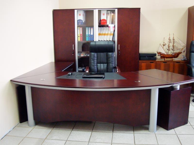 Стол руководителя YDK 3009 с кожаной накладкой
