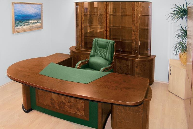Стол руководителя Capital 2446 с кожаной накладкой