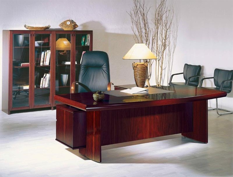 Стол руководителя YDK 309 с кожаной накладкой