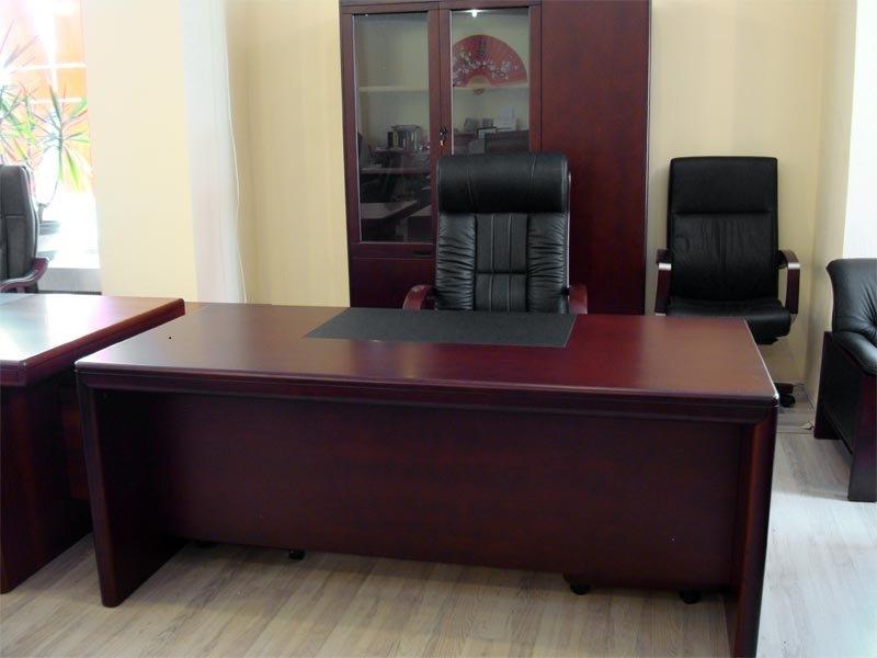 Стол руководителя YDK 315 с кожаной накладкой