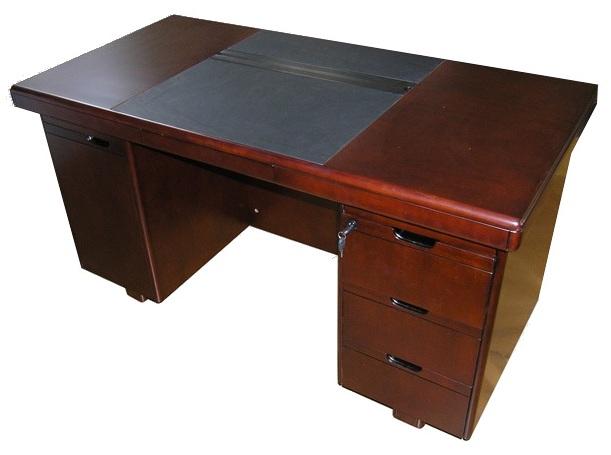 Стол руководителя YDK 607 с кожаной накладкой